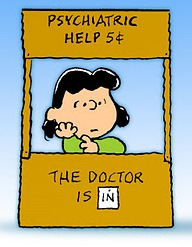 lucy_charlie-brown_doctor1